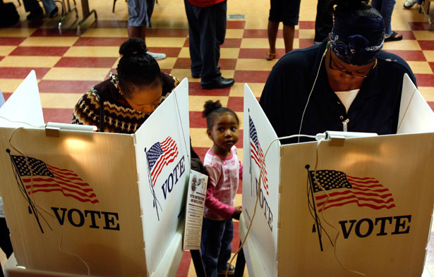 Women vote in Los Angeles in 2008